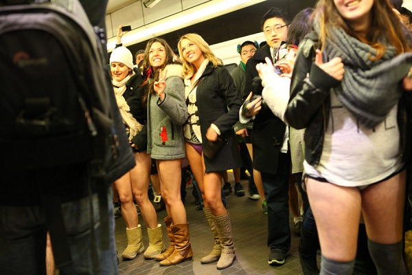 No-Pants-Skytrain-Ride-900x600