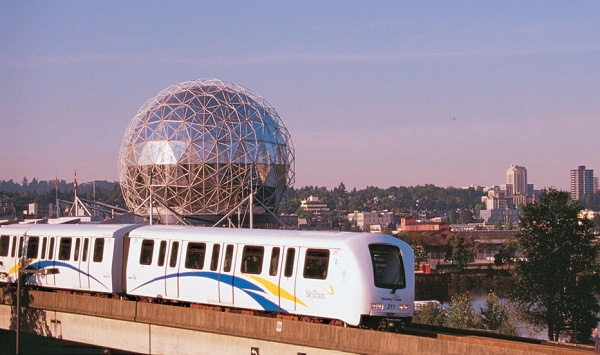 Skytrain_and_Science_World