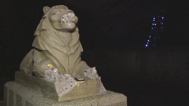 stanley-park-lions-statues-smashed-vandalism
