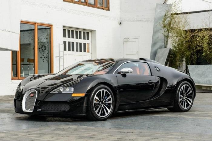 Drakes-Bugatti-900x600