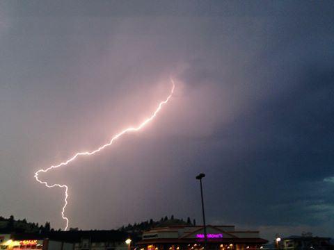 kamloops-lightning10