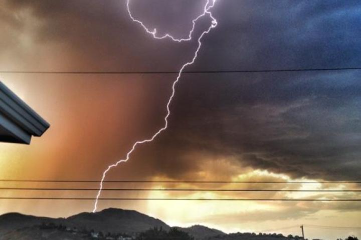 kamloops-lightning12
