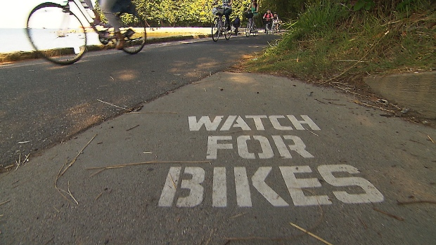 watch-for-bikes-vancouver-s-stanley-park-seawall