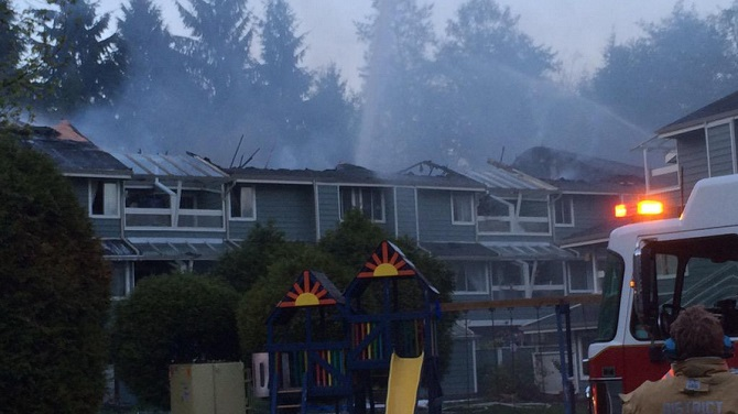north-vancouver-fire-889x500