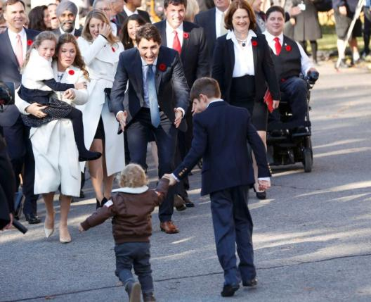 Incoming Prime Minister Justin Trudeau and his wife Sophie Gregoire greet their children daughter Ella Grace and sons Hadrien and Xavier before his swearing-in ceremony at Rideau Hall in Ottawa November 4, 2015.  REUTERS/Blair Gable