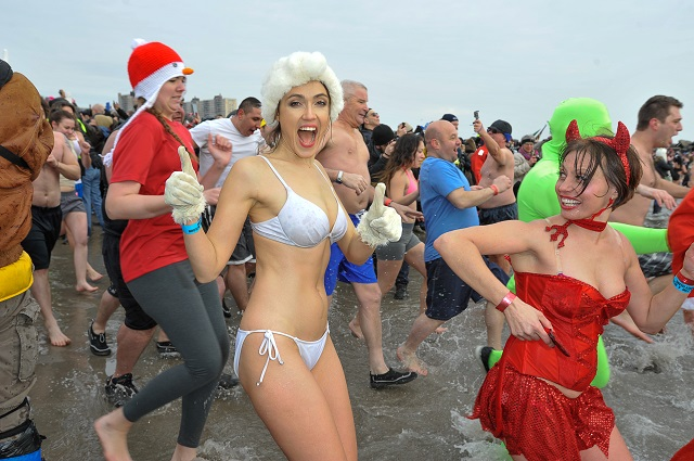 Hundreds of Swimmers Brave The Cold in NYC Polar Bear Plunge