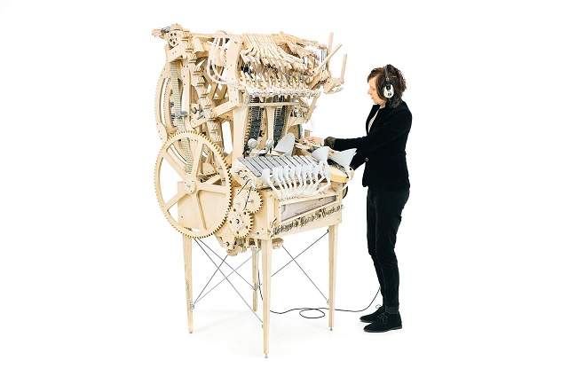 Wintergatan_Marble_Machine_and_Martin_21