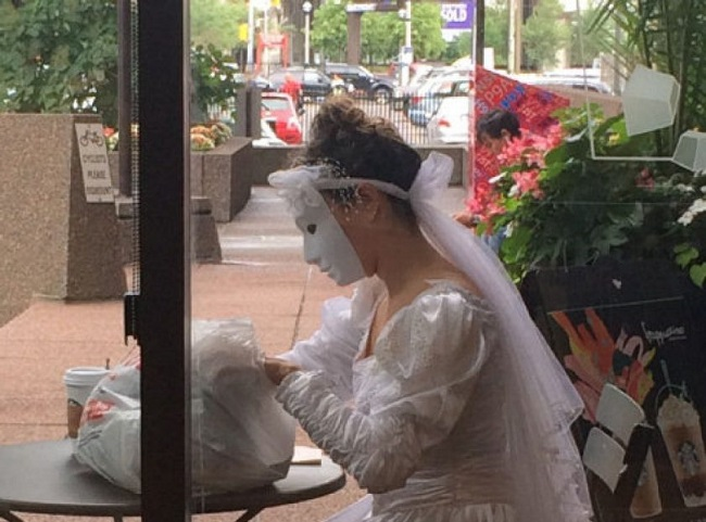 masked-bride-ii.jpg.size.custom.crop.841x650