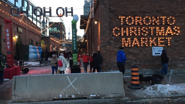 toronto-christmas-market-barrier