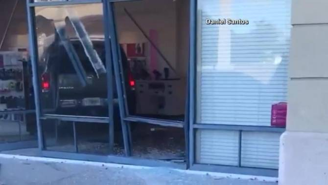 Florida woman rams SUV into T-Mobile store after being told to pay for replacement iPhone
