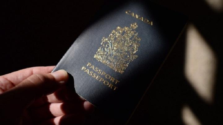 canada-passport-20150723
