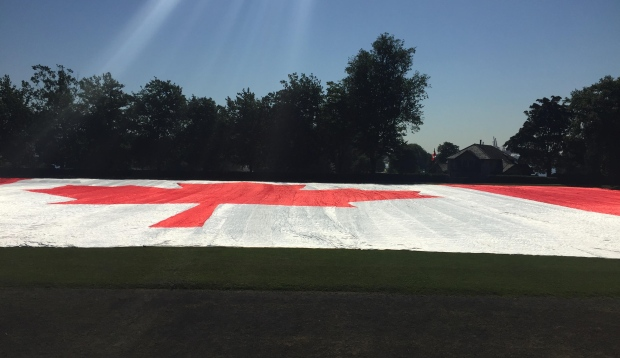 largest-canadian-flag (1)
