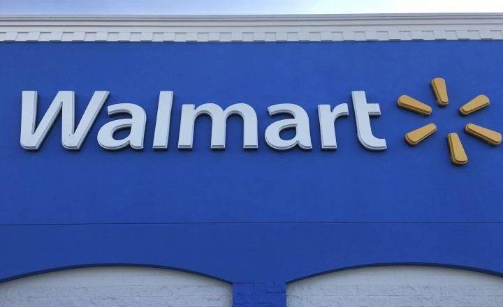 Walmart accidentally gives customer $21K, but pleas to take it back not taken seriously