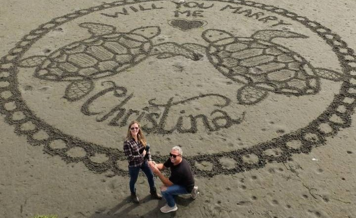 White Rock man gets a 'yes' with unique wedding proposal