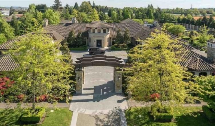 mega mansions' on farmland