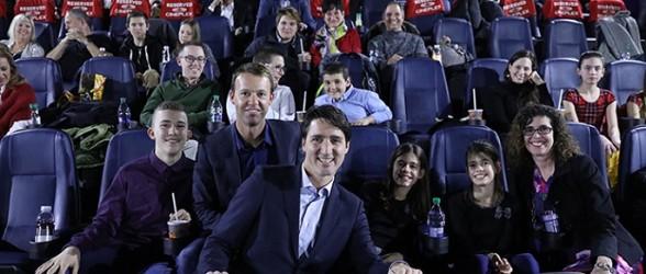 کودکان بیمار انتاریو؛ همراهان نخست وزیر ترودو در تماشای تازه ترین قسمت «جنگهای ستاره ای»