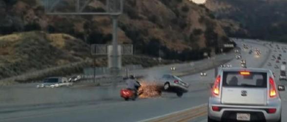 چگونه مشاجره دو راننده در بزرگراه منجر به وقوع یک حادثه تلخ شد؟(فیلم)