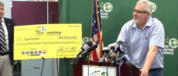 جایزه 315 میلیون دلاری لاتاری برای مرد خوش شانسی که بجای پس گرفتن پول آب پرتقالی که در حراج نبود ، بلیط خرید