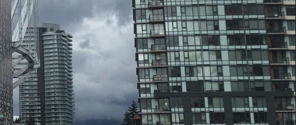 بدترین آمار فروش مسکن در 18 سال اخیر و کاهش متوسط قیمت آپارتمان در ونکوور بزرگ