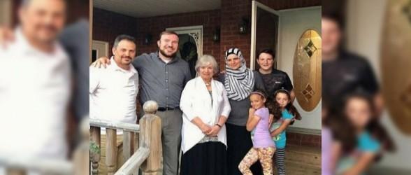 شهردار جوان در انتاریو منزلش را به طور موقت در اختیار پناهجویان سوری قرار داد(فیلم)