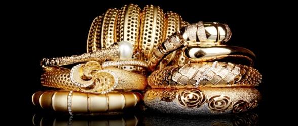 خروج سکه و زیورآلات زنانه با وزن بیش از ۱۵۰ گرم  از ایران ممنوع شد