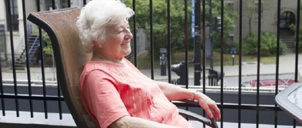 درگذشت زن 93 ساله اهل کبک که 36 ساعت در بالکن خانه سالمندان به حال خود رها شده بود