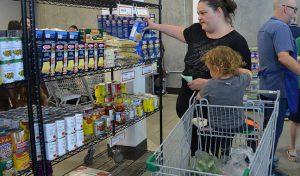 با تشدید بحران مسکن ونکوور، میزان تقاضا افراد شاغل از «بانک های غذا» 86 درصد افزایش یافت