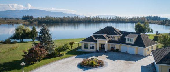 با 7.5 میلیون دلار صاحب دریاچه شخصی در نزدیک ونکوور بشوید