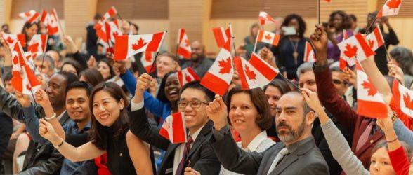 دولت فدرال بزودی اخذ شهروندی کانادا را برای افراد واجد شرایط رایگان خواهد کرد