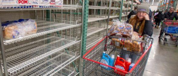 «شورای خردهفروشی کانادا» از مردم خواست  ضمن حفظ آرامش ،دست از خالی کردن فروشگاه ها بردارند!!