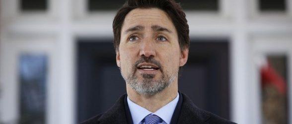 مامورین RCMP برای اطمینان از اجرای  قرنطینه  به منازل کانادایی ها سر می زنند