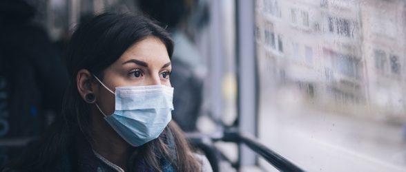 تنها 43 درصد کانادایی ها از ماسک یا دستکش در فضای عمومی استفاده می کنند