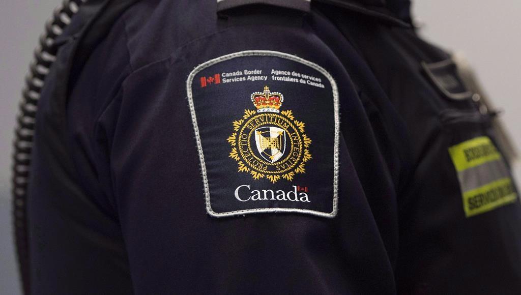 توریست الجزایری،مامور مرزی کانادا که گفته بود «گمشو برگرد خانهات» را در دادگاه  محکوم کرد