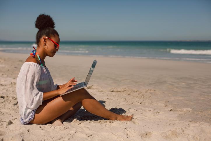 از دور کاری از خانه در دوران کووید-۱۹ خسته شدهاید؟ از باربادوس کار کنید !