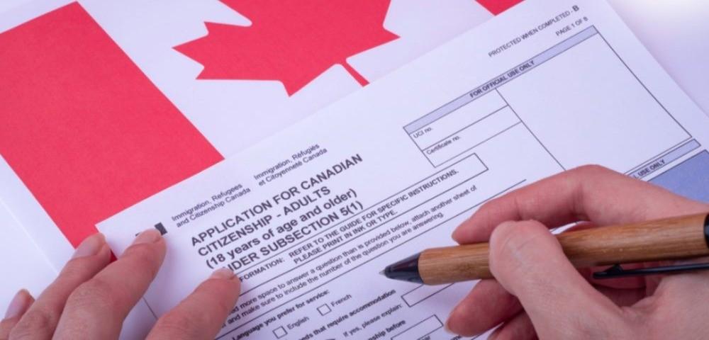 مهاجران از دولت میخواهند به وعده حذف هزینه اخذ شهروندی کانادا عمل کند