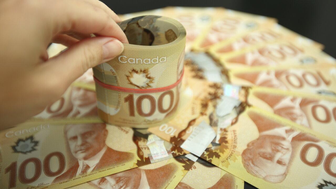 آیا با پایان کمک مالی 2000 دلاری، دولت کانادا باید یارانه ماهیانه ثابت برای افراد نیازمند در نظر بگیرد؟