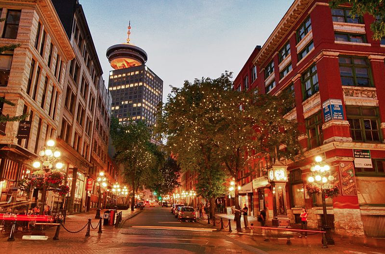 بازار مسکن ونکوور بهترین آگوست در فروش خانههای مستقل را از سال 2015  پشت سر گذاشت