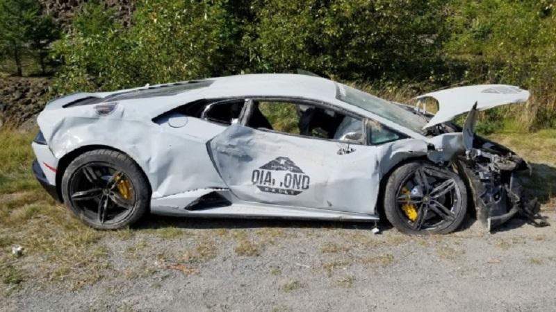 بار دیگر شرکت کننده مسابقه سالیانه خودروهای لوکس در جاده ویسلر حادثه آفرین شد