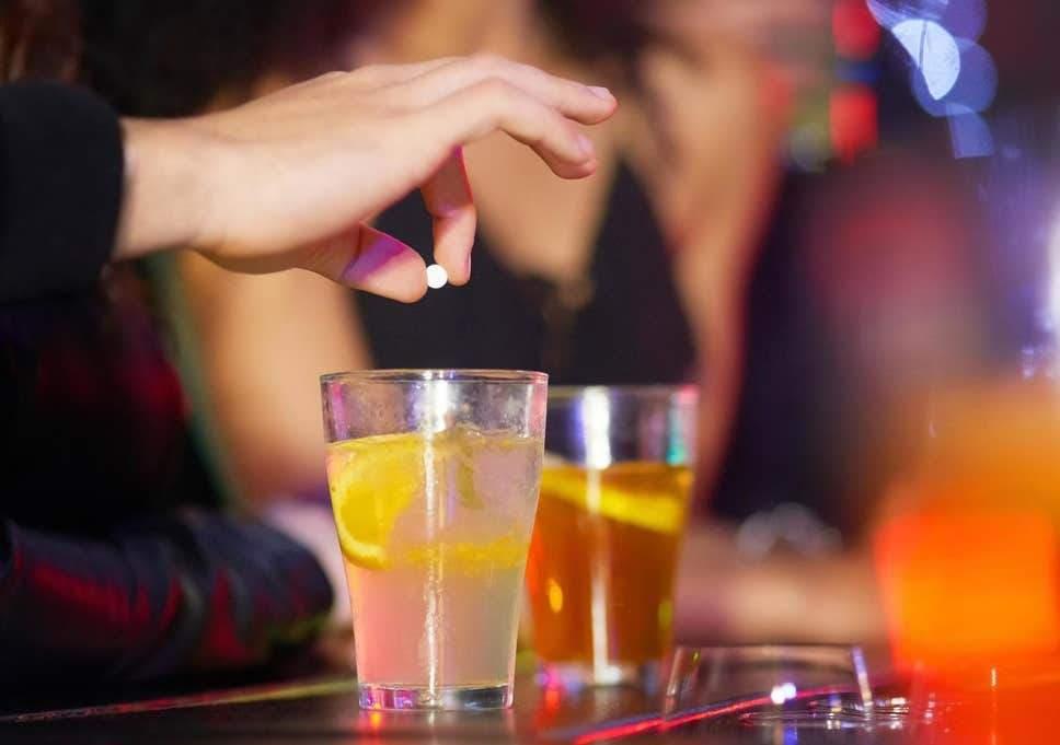دستگیری مرد ایرانی-کانادایی که در  یکی از کافه های تورنتو مادهای داخل نوشیدنی یک زن ریخت