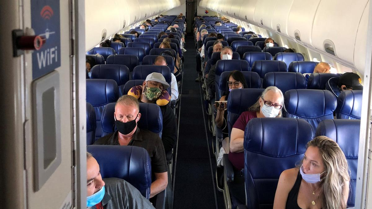 جریمه هزار دلاری برای دو مسافر وستجت که حاضر به زدن ماسک نشدند
