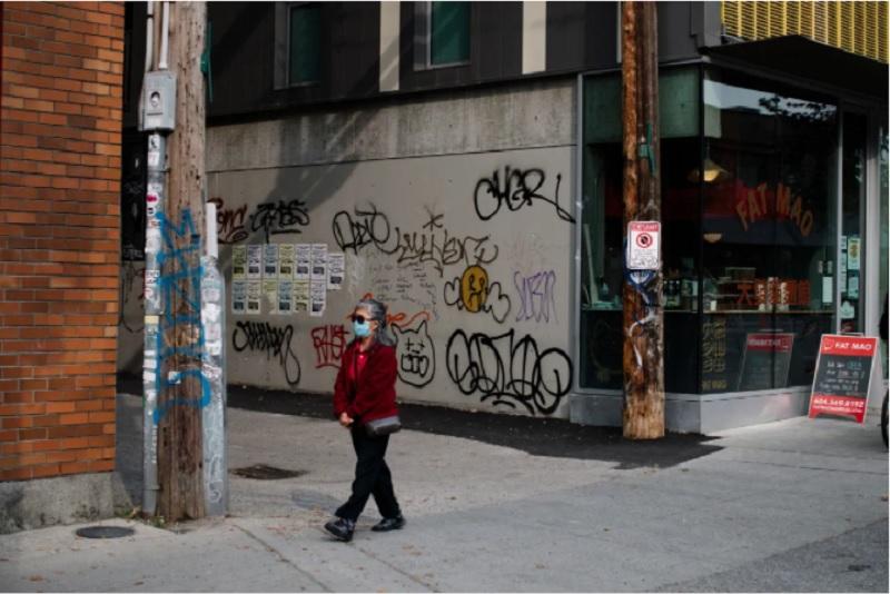 زیاد شدن دیوار نوشته ها در ونکوور و هزینه مضاعف چند هزار دلاری بیزینس ها برای پاک کردنشان
