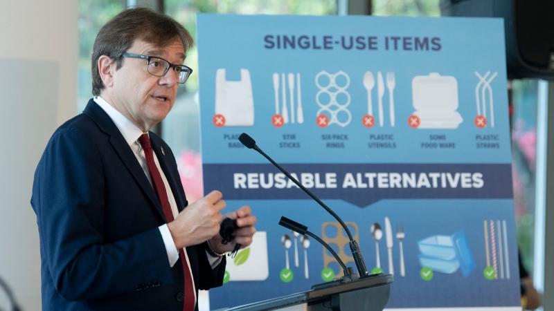 ممنوعیت عرضه ظرفهای غذای یک بار مصرف و کیسههای پلاستیکی از سوی دولت کانادا