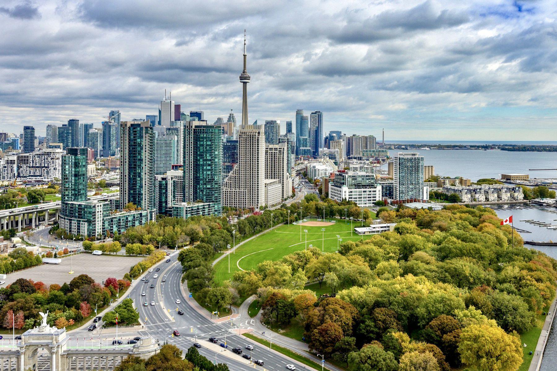شمار آپارتمانهای لیست شده بازار مسکن تورنتو، شش برابر ونکوور است!
