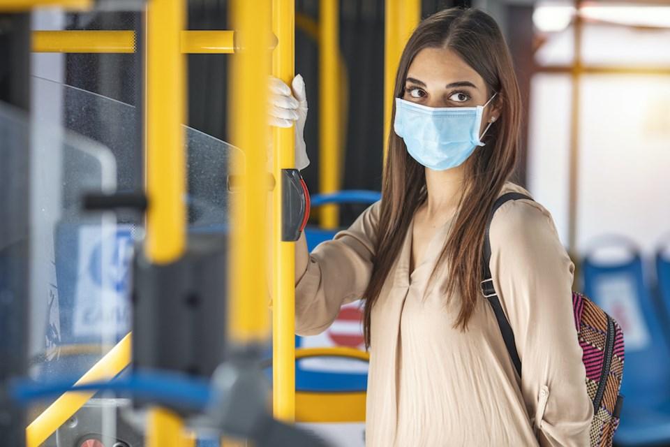 کارشناس بهداشت بریتیش کلمبیا :شانس ابتلا به کووید 19 در  وسایل حملونقل عمومی بالا نیست
