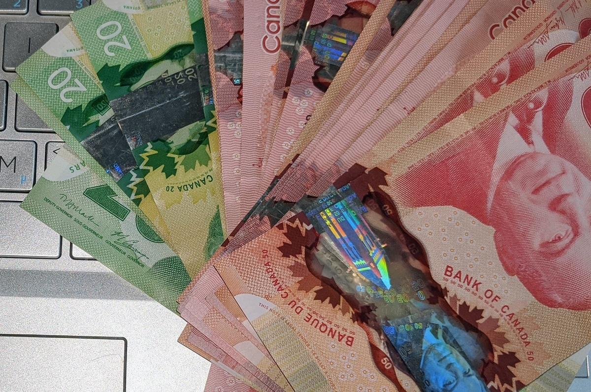 بیش از هشتصد هزار کانادایی که فرم مالیاتی 2019 را پر نکرده بودند، کمک دوهزار دلاری فدرال را دریافت کرده اند!