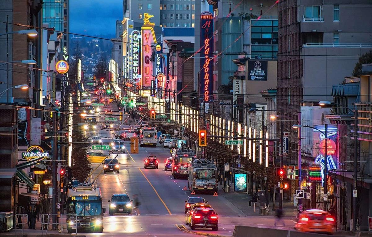 شورای شهر ونکوور برای ورود خودروها به مرکز شهر  از سال 2025 عوارض در نظر می گیرد