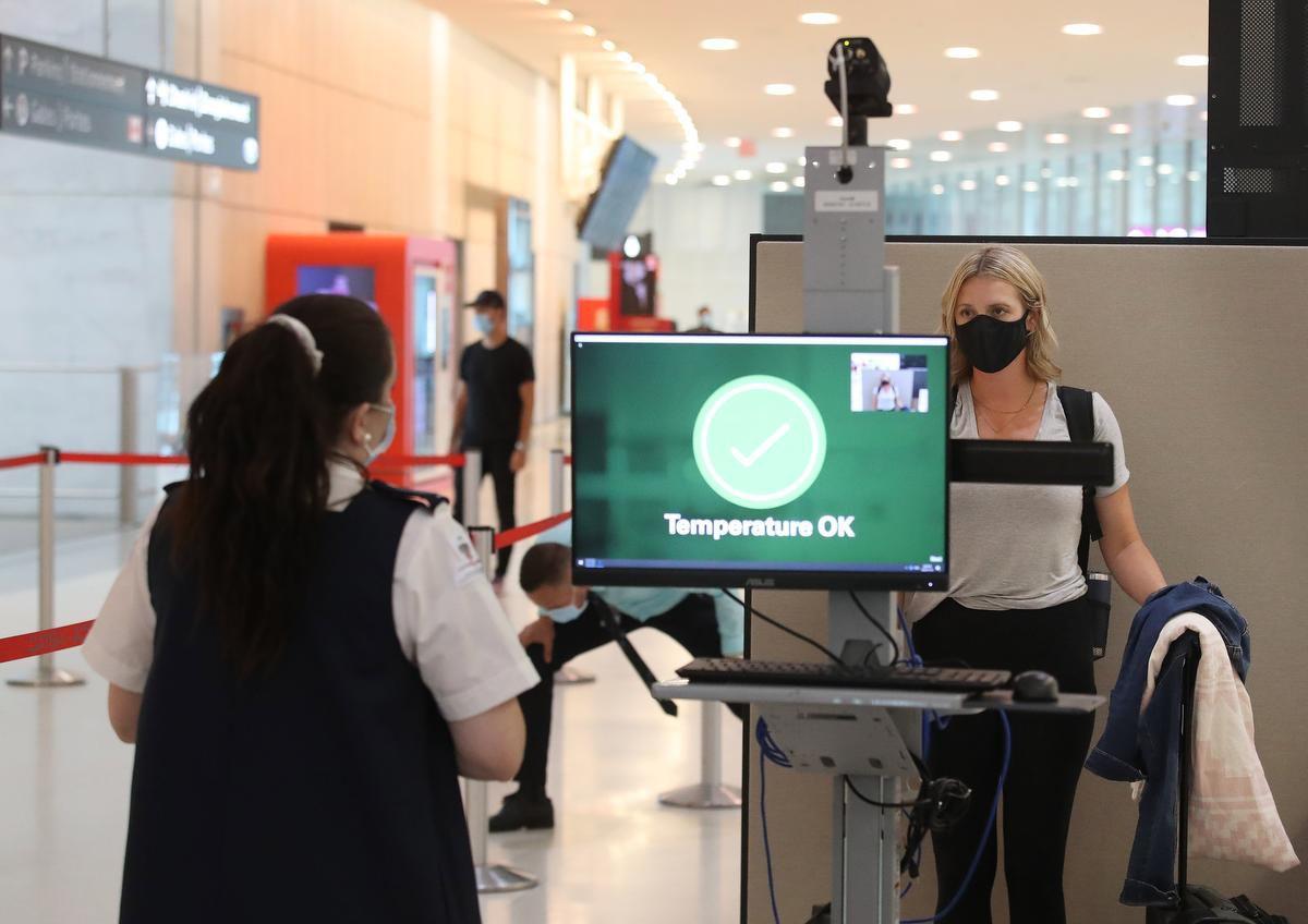 دولت فدرال تاکید کرد برخلاف شکایت داگ فورد، کنترل مرزی کووید 19 در فرودگاه ها با دقت صورت می گیرد