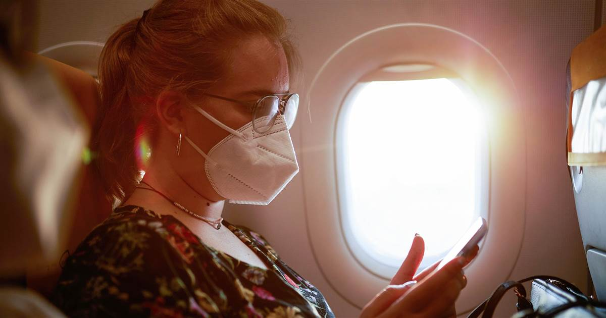 مرکز کنترل و پیشگیری از بیماری آمریکا:مسافرت برای افراد واکسینه شده با ماسک ریسک کمی دارد