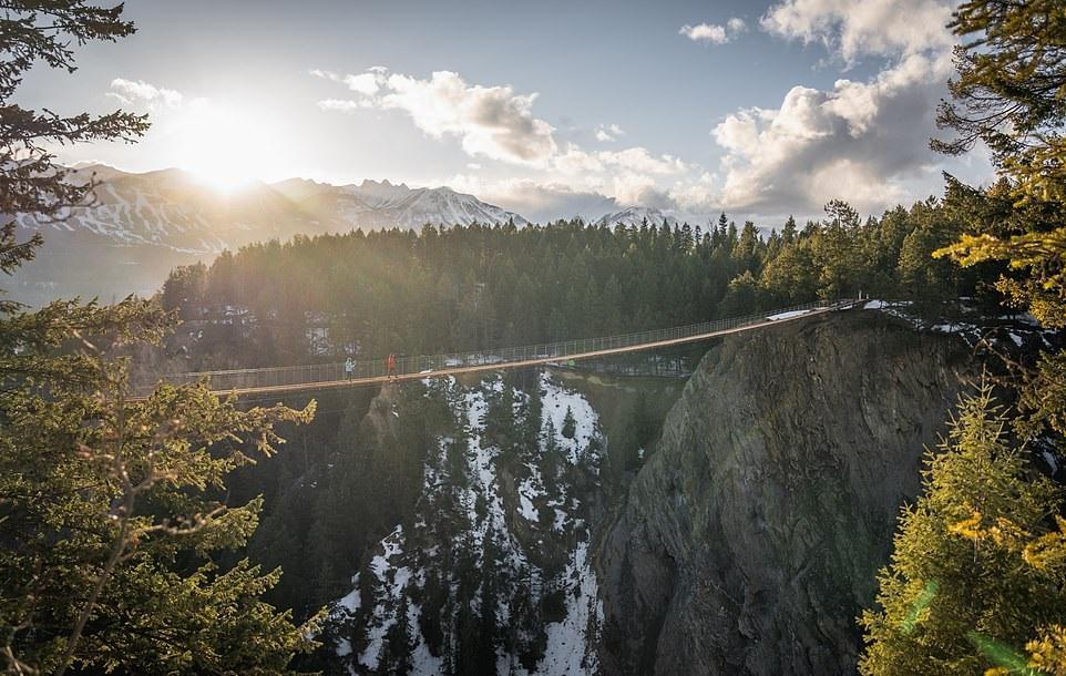 بلندترین پل معلق کانادا ماه آینده در بریتیش کلمبیا افتتاح میشود