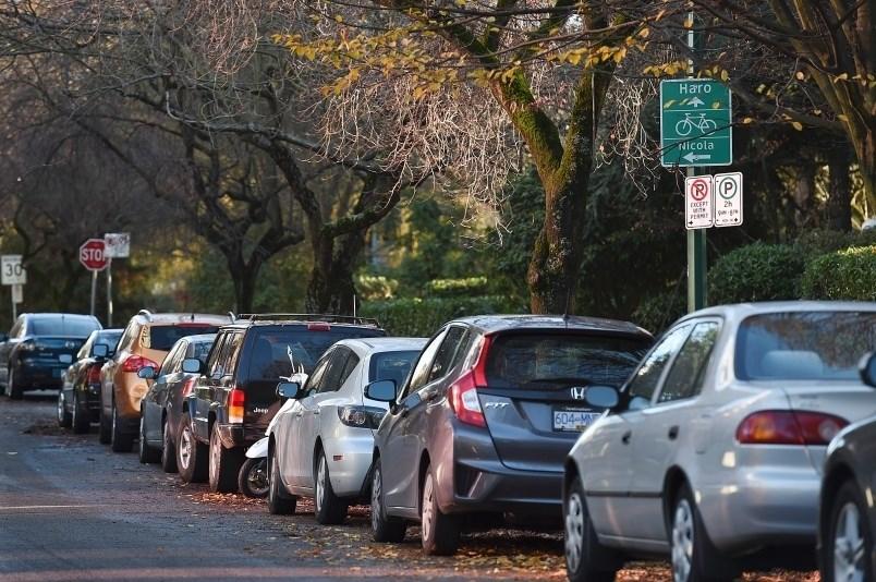 بزودی برای پارک شبانه خودرو  مقابل منزلتان در خیابان های ونکوور باید هزینه پرداخت کنید؛ هم شما و هم میهمان تان!